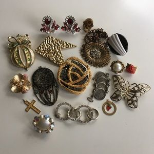 Lot of Vintage Jewelry Pieces for Crafting
